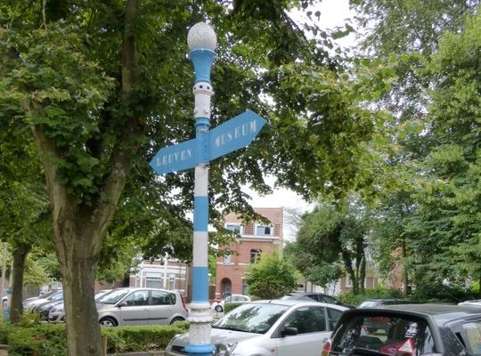 Gietijzeren wegwijzers uit Hoeilaart voorlopig beschermd als monument